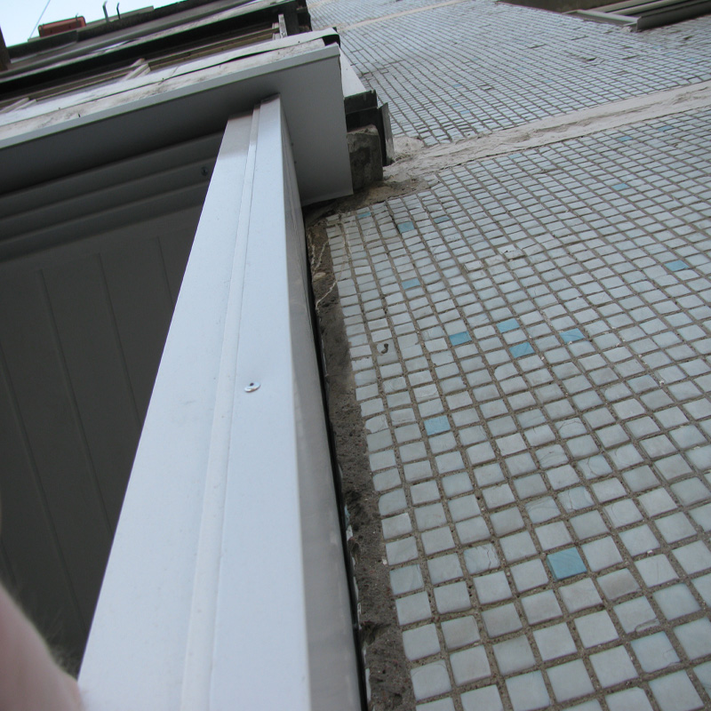 Надёжная и лучшая шумоизоляция козырька балкона.